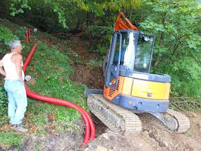Photo: Ranieri al primo pezzo dello scavo nel bosco.