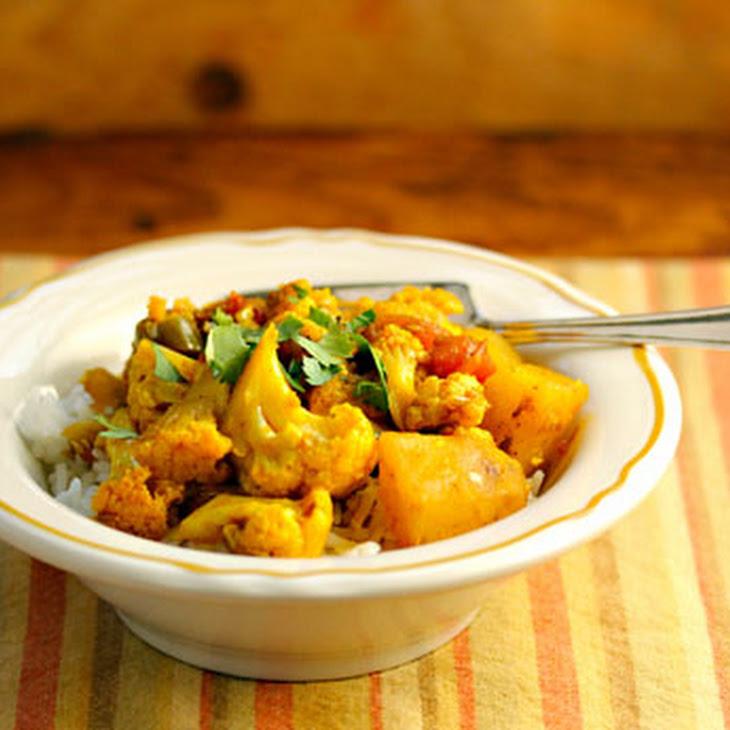 Slow Cooker Aloo Gobi (spiced Cauliflower And Potatoes) Recipe ...
