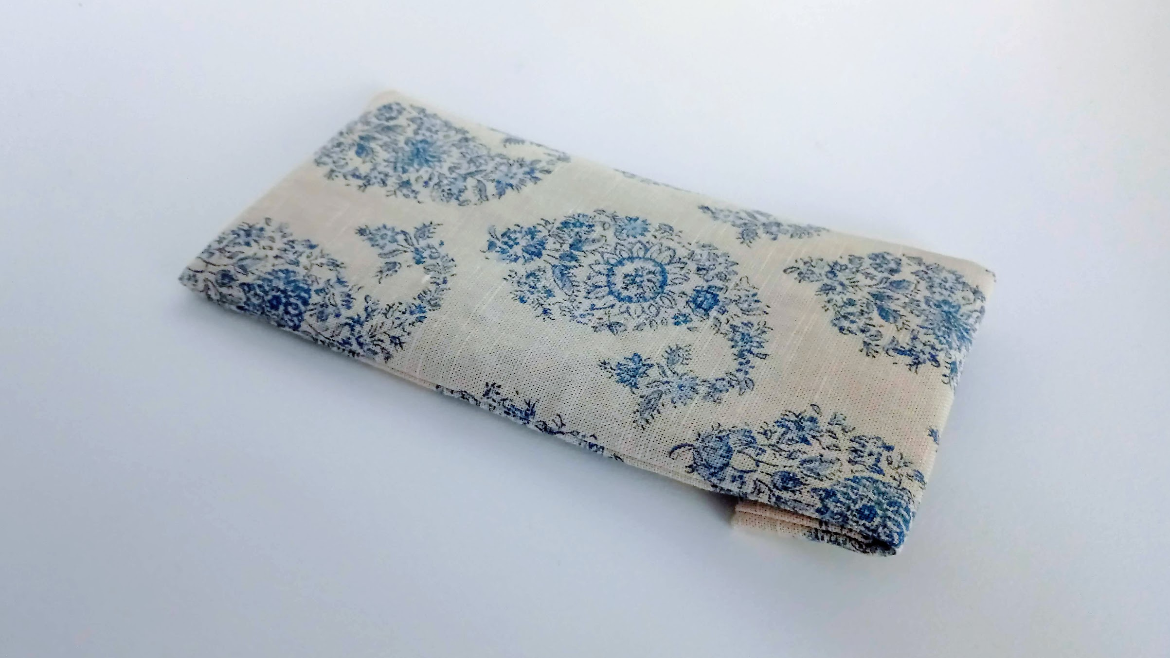 Result: DIY Sleep Eye Mask Bags from Fabric Remnants - DIY Tips | fafafoom.com
