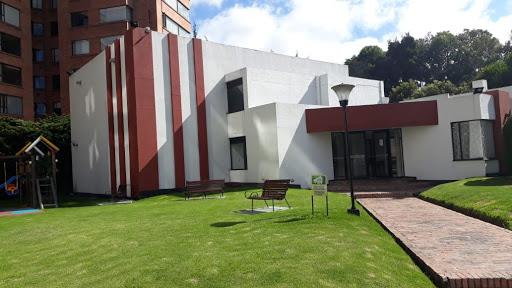 Casas en Venta - Bogota, La Calleja Alta 642-4180