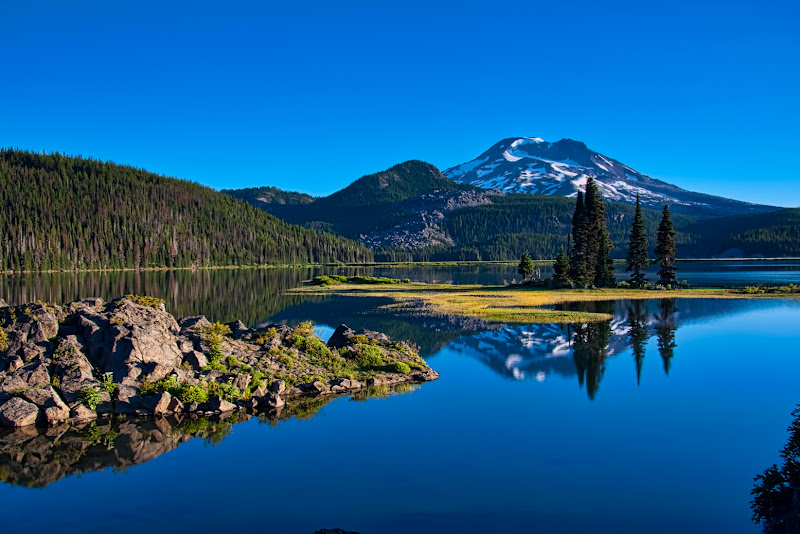 Photo: Last one for tonight... Have I ever mentioned how much I love this place?...... Sparks Lake and South Sister Oregon. This might be an interesting place to be this weekend with the lightening forecast...