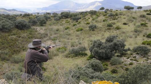 La promoción de la caza llega a los colegios almerienses