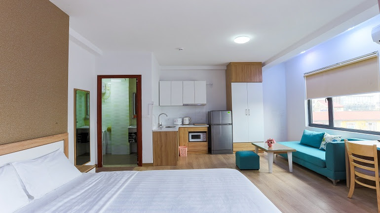 Modern studio apartment with balcony in Giang Vo street, Dong Da district for rent