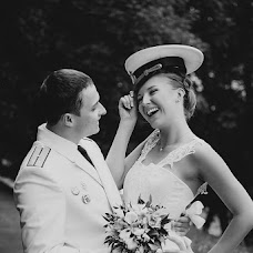 Wedding photographer Artem Kuzmichev (Kuzmichev). Photo of 02.02.2013