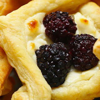 Fruit And Cream Cheese Breakfast Pastries.