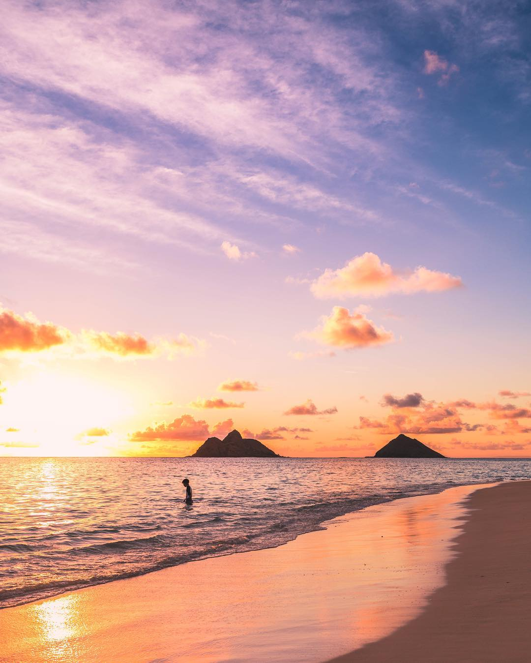 Watch a sunrise at Lanikai Beach (#4 on 26 best things to do on Oahu)