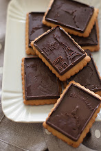 Photo: 54.Oat wheat petit beurre with chocolate bar Blog-Trattoria da Martina  Martina Toppi - http://www.trattoriadamartina.com Oat wheat petit beurre with chocolate bar (Oro ciok style) http://www.trattoriadamartina.com/2013/04/sembrano-oro-cioksono-petit-beurre-alla.html Canon 5d mark II with 50mm f1,8