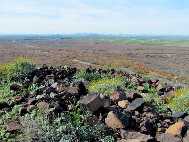 Ruined walls atop Robbins Butte