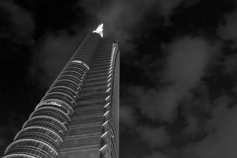 unicredit tower di Luigia