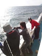 Photo: そして、惜しげもなく自分の「必殺技」を伝授する心優しい、熱血アングラー!・・・長崎に新しい風を吹かせてます。