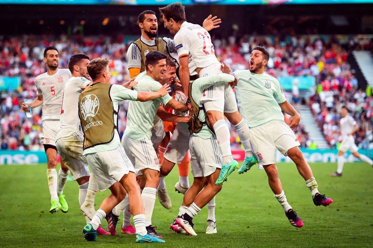 Tây Ban Nha vượt qua Croatia sau 2 hiệp phụ.