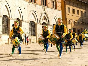 Photo: Siena - świętowanie po Palio