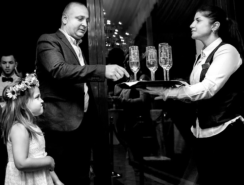 結婚式の写真家Vali Negoescu (negoescu)。16.06.2016の写真