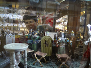 Photo: Wandering around Venice we found some neat things for sale like these knights of the round table