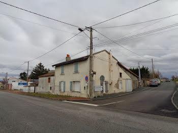 maison à Ouches (42)