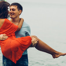 Wedding photographer Artem Usmanov (UsmanovArtem). Photo of 24.11.2015