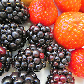 The red and black berries: strawberry and bramble by Svetlana Saenkova - Food & Drink Fruits & Vegetables ( red, surface, yammy, blackberries, black, strawberries, bramble, berries )