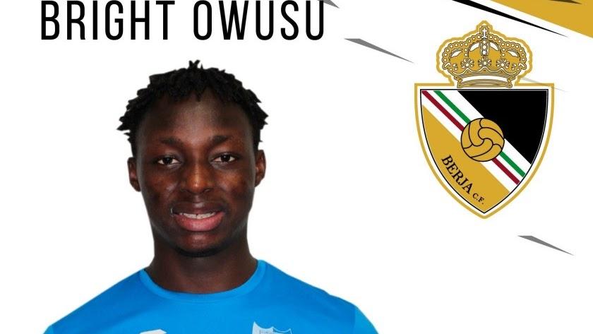 El Berja CF ficha al jugador ghanés Bright.