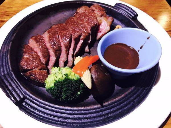 肉塊牛排Meatloaf Steakhosue