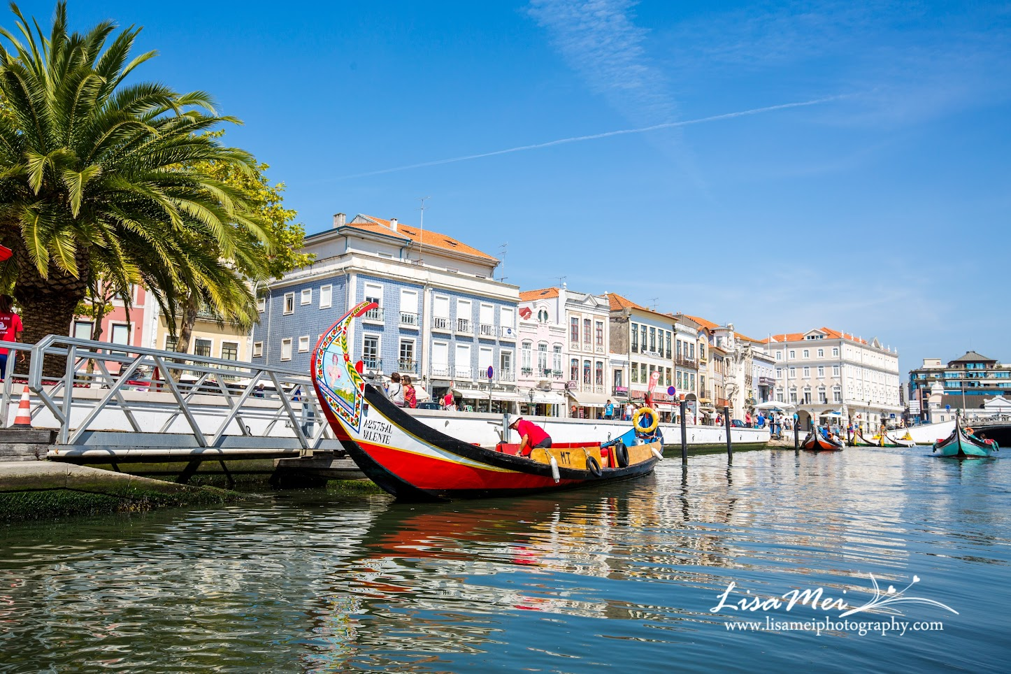 Aveiro - not only known as the Venice of Portugal, it's almost known for its Art Nouveau architectures