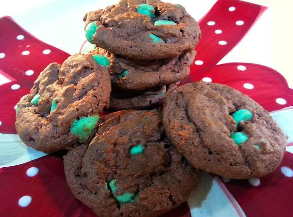 Chewy Cocolate Mint Chip Cookies.