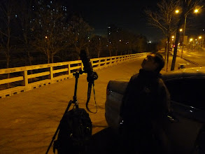 Photo: Beijing - lunar eclipse ending on our walk home with E when they throw us from subway which stopped operating in middle of line 13 Huilongguan, 2 stops from my stop, Chinese guy with OK DSLR and tripod (and Ford Money what did not offered to us :-))