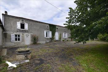 maison à Taizé-Aizie (16)