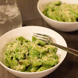 Chicken Penne With Spinach, Ricotta & Basil Pesto.