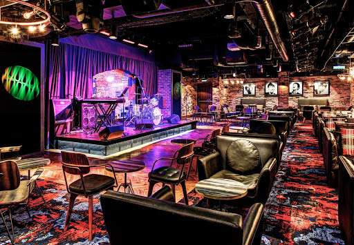 The Cavern Club on Norwegian Epic is the place for live music and sharing drinks with new friends.