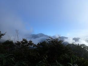 雲が晴れ南白山を望む