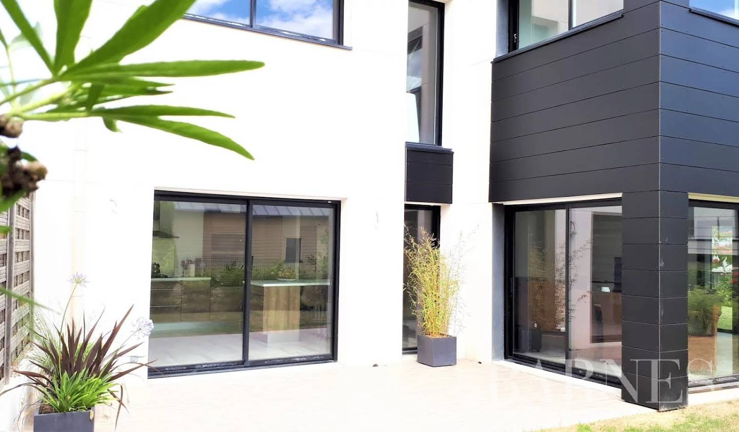 House with garden and terrace Rennes