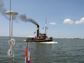 Photo: Passerend in 2006 op het Haringvliet. (met dank aan H. Brouwer)