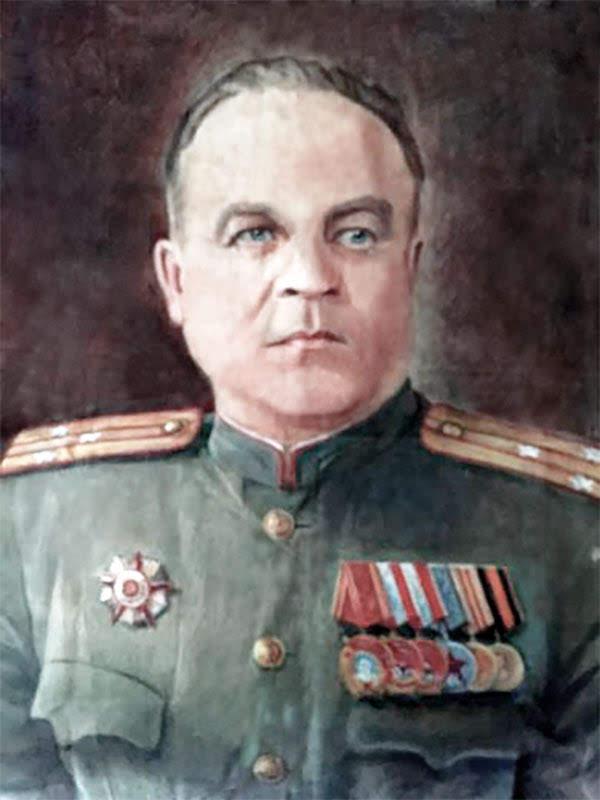 Миронов Андрей Яковлевич - командир 44 осбр