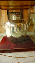 Photo: Das größte Gefäß aus reinem Silber. Es gibt zwei davon.