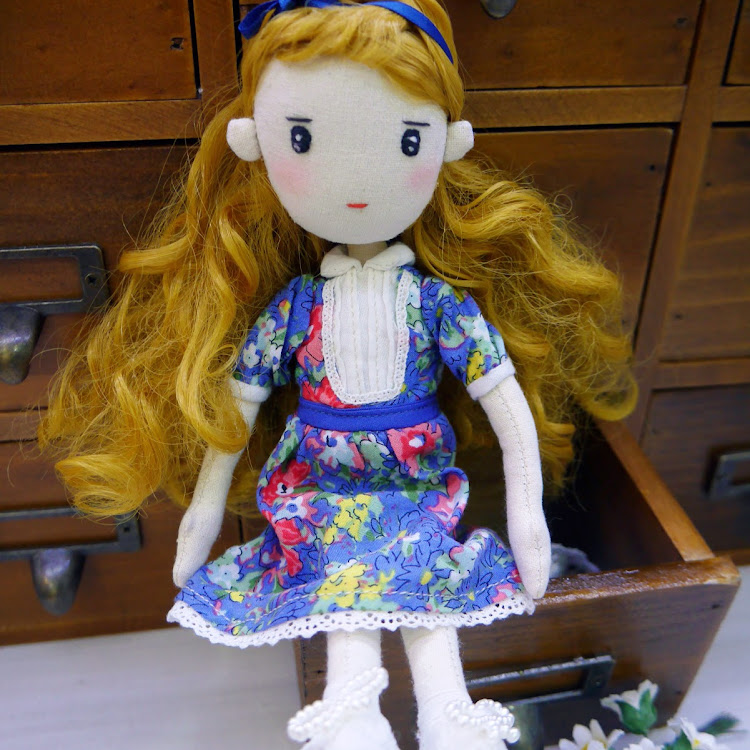Handmade Vintage girl by Itcheehand Enterprise