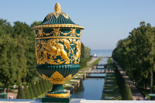 Peterhof-Palace-decorative.jpg - The view from the terrace in the front of Peterhof Palace near St. Petersburg, Russia.