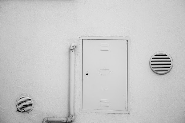 La porta chiusa di Tiz