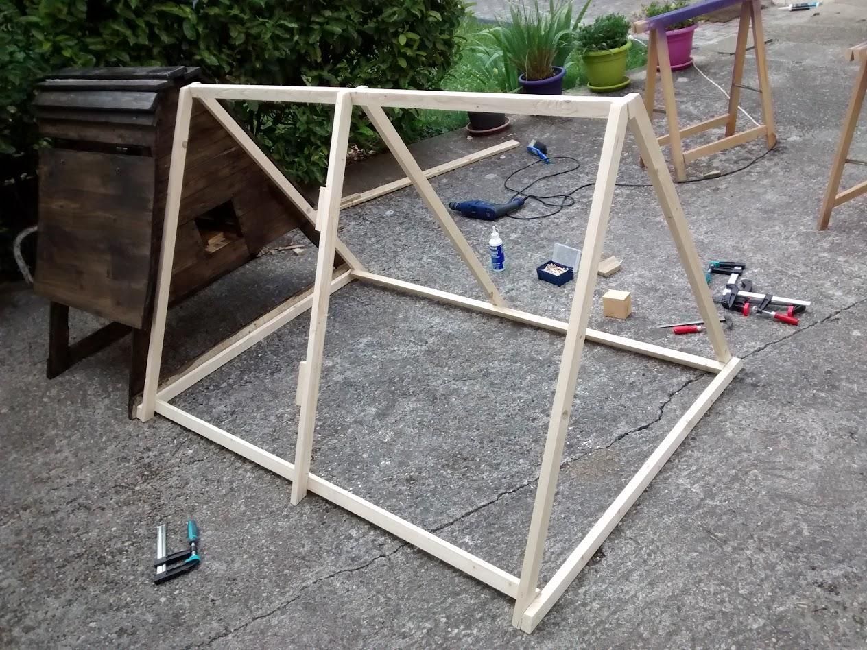 Poulailler en construction