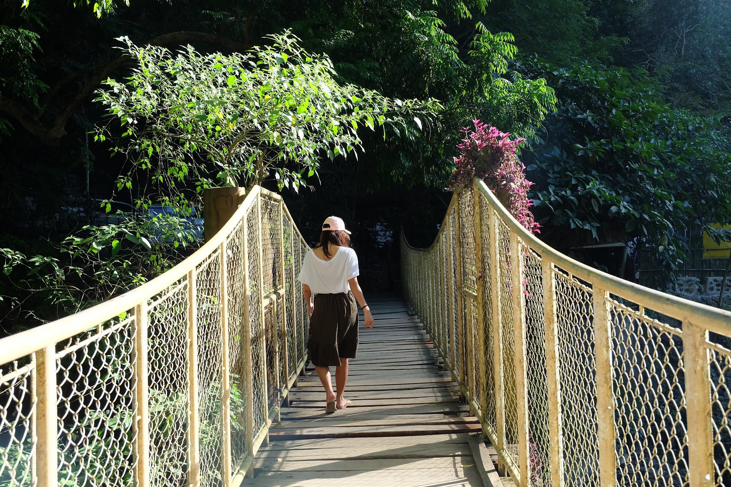 The bridge to Daranak falls Tanay