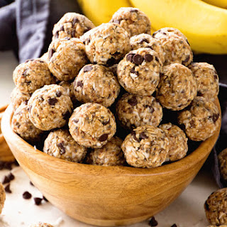 No Bake Chocolate Banana Energy Balls