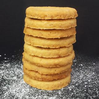 Coconut Biscuits [vegan].