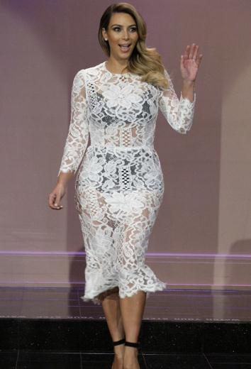 Yabancı Ünlü Kadınların Boyları - Kim Kardashian