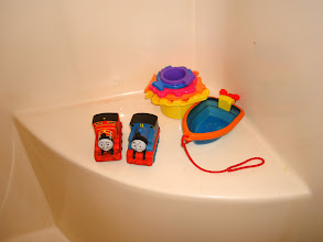 Photo: The bath toys need a hard scrubbing and soak in Heinz Cleaning Vinegar!