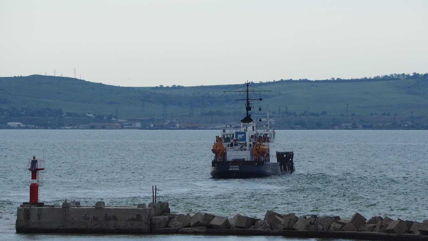 Июнь 2015 Порт Кавказ - танкер