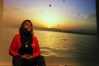 Photo: Carmina Morales con mucho fondo