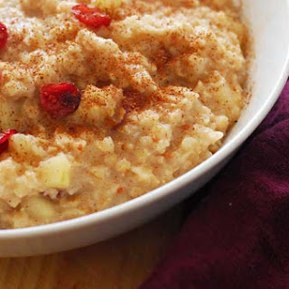 Slow Cooker Overnight Cranberry Apple Oatmeal