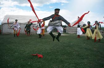 Photo: 03518 経棚郊外/克什克謄旗の旗長の歓迎パーティー/民族舞踊