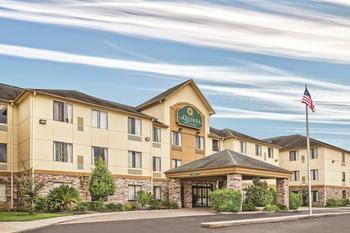 La Quinta Inn & Suites by Wyndham Houston North-Spring