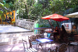 restaurants and cafes in Bandra