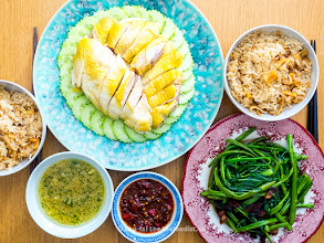 Photo: 海味海南雞飯, 通菜炒臘肉 special seafood chicken rice and some water spinach stir fried wth Chinese bacon